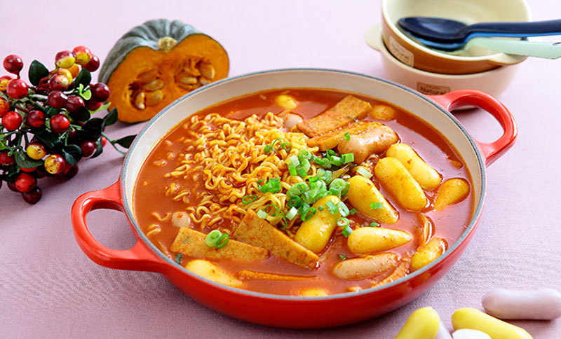 [Recipe utilizing Fusion Rice Cake] Cheese Rice Cake Rabbokki (for two people)