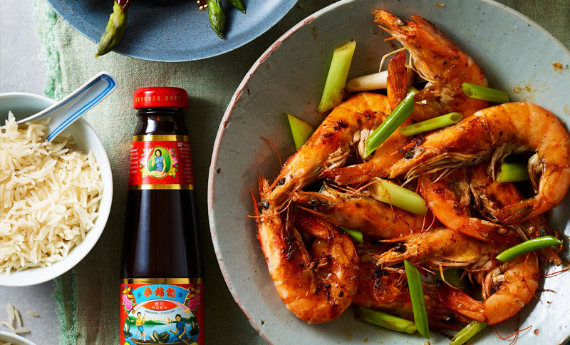 Recipe - Garlic Butter Prawns with Lee Kum Kee Premium Light Soy Sauce [Serves 2 with sides]